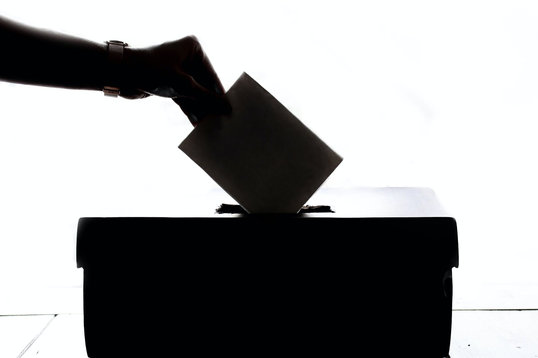 Should We Experiment with Election Administration             in the U.S?